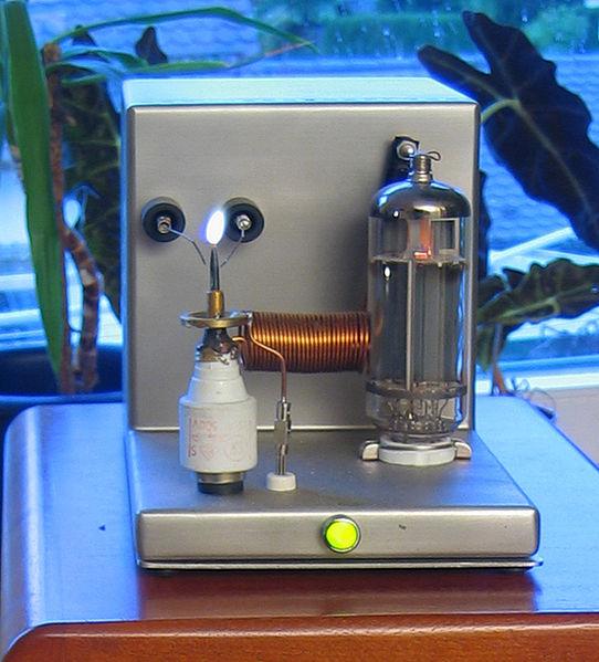 Cassa acustica al plasma