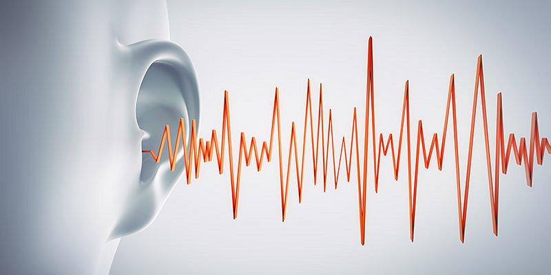 suono forte che colpisce orecchio